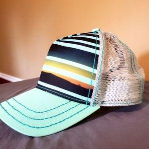 Pistil UNISEX trucker hat